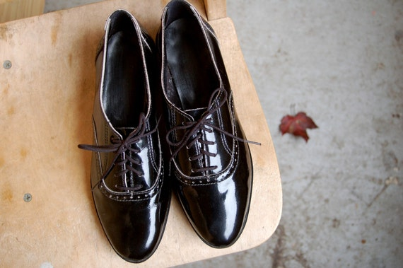 SALE - Vintage Black Patent Leather Brogues Loafers 6 / 6.5 NOS