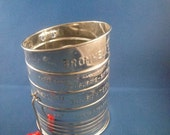 Sifter Bromwells 3 Cup Metal Flour Sifter