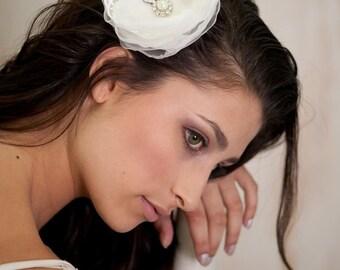 Ivory Flower Bridal Fascinator Hair Comb ,Ivory Flower  headpiece,   hair accessories, Rhinestones, bridal hair comb