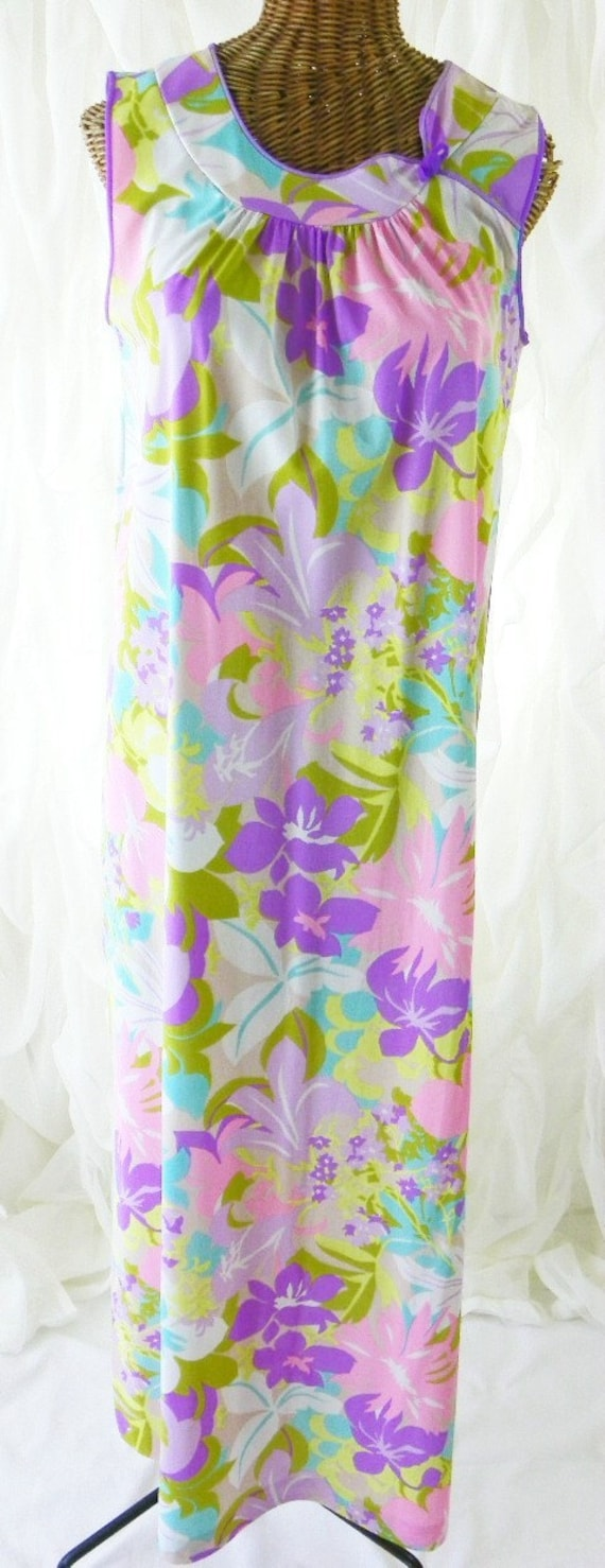 Reserved Mod Mad Men Bright Beautiful Floor Length Nightgown Chiffon Accents Prinstine Condition Size Small on Etsy