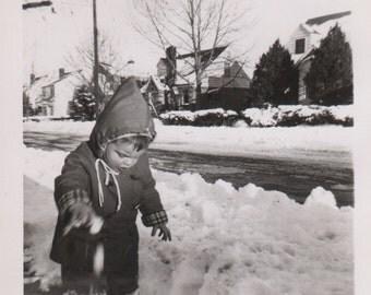 Digital Download, Vintage Photo, Black & White Photo, Toddler Dropping Snowball, Snapshot, Found Photo, Old Photo, Printable, Childhood