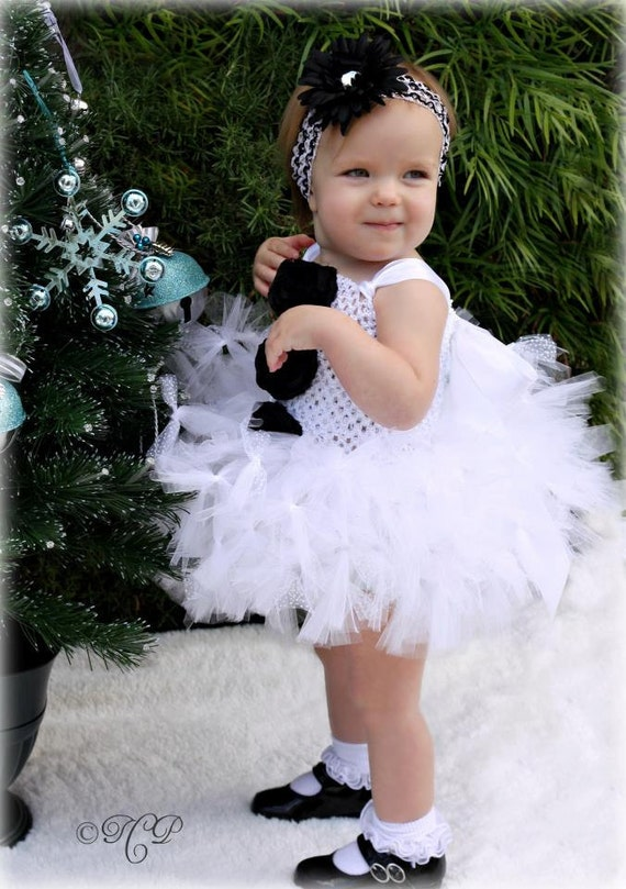 Accessories to Accent Your Baby's Holiday Outfit. Nowadays it is easier than ever to find the cutest Christmas Baby Headbands and accessories that can make your child look and feel like a little princess.