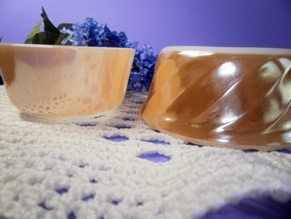 Vintage FireKing Peach Lustre Berrie Bowl 1970s Anchor Hocking White Milkglass