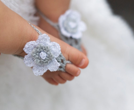 Baby Girl Sandals Newborn to 9 months Handmade Flower toe sandal in White and Silver