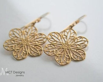 Flower filigree, gold or silver, earrings - CYNTHIA