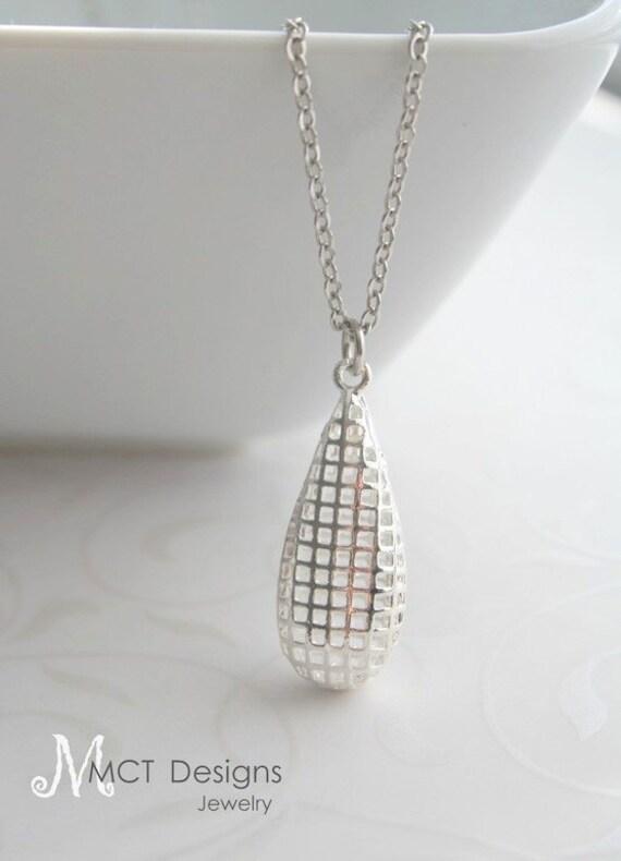 LAST ONE / SALE - Long teardrop filigree, silver necklace - Charlotte