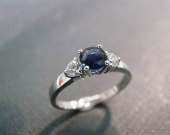 Engagement Ring with Diamond and blue Sapphire in 14K White Gold, 5mm Blue Sapphires Wedding Bands, Diamond Rings, Three Stones Rings Band