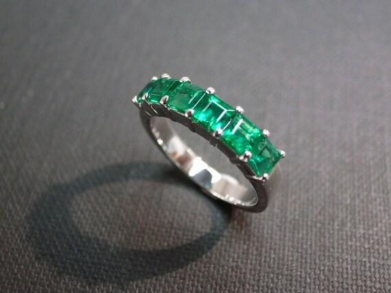 Emerald Wedding Ring in 18K White Gold