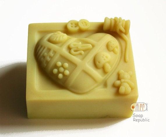 Love Quilting - Thread Spool Silicone Soap Mold ( Soap Republic )