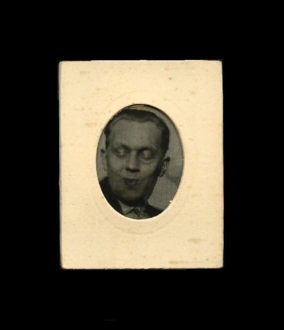 Original c.1920 German Optical Photo Toy No.6 / Man in Drag on Telephone