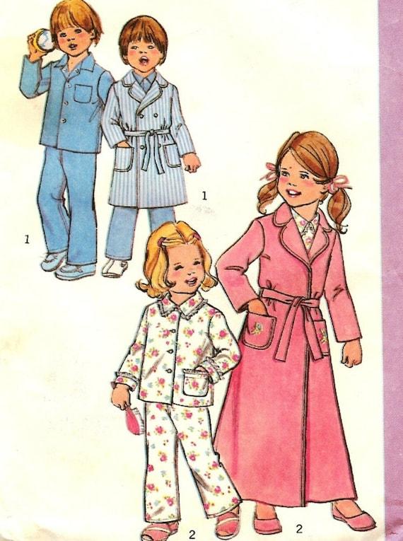 Robe Pajama Pattern Boys Girls Size 5 Simplicity 7068 70s Vintage Free Shipping to US