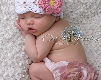 Baby Girl Hat, 3 to 6 Months Baby Girl Flapper Hat, Baby Girl Handmade Hat, White with Rose Pink and Yellow flower. Great for Photo Props.