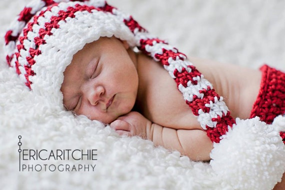 Baby Christmas Set,  Baby Stocking Hat, Snow White, Red, Diaper Cover, Ruffles, Holiday Photo Props, Holiday Cards, Christmas Cards, Kids