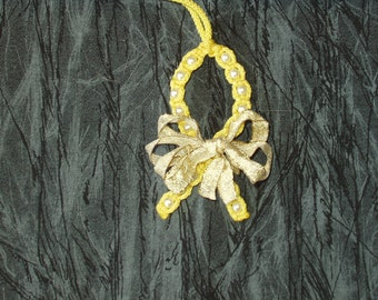 Macrame Awarness Ribbon Christmas Ornament (Yellow)