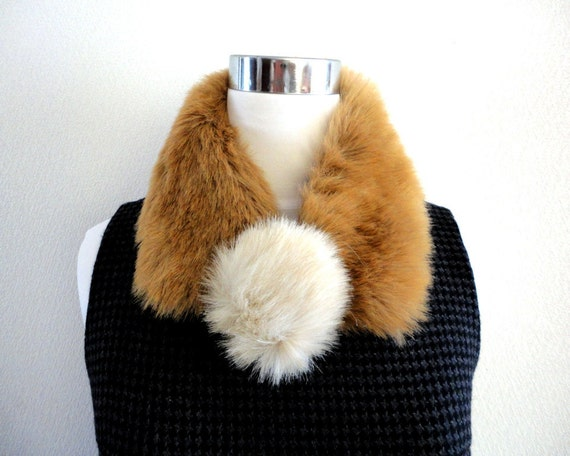 Clearance Sale Faux Fur collar tippet camel brown with pom pom brooch