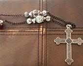 Cross Pendant Neklace