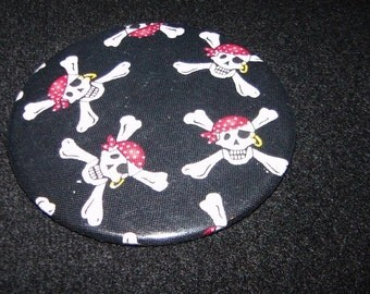 "Magnet Pirate Skull with Crossbones 3"" Magnet Halloween Gift"