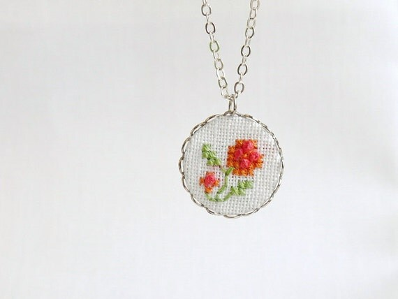 Gentle floral necklace - embroidered necklace - roses - spring jewelry - n018