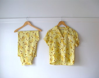 SALE vintage 1950s pajamas / 50s sleepwear