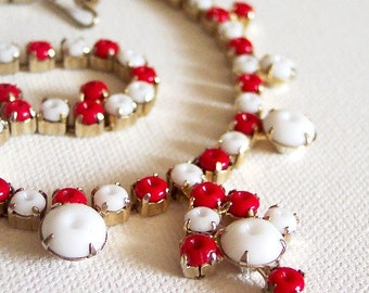 ON SALE Pretty Little Miss - Vintage Red and White Retro Nautical Choker or Child's Necklace