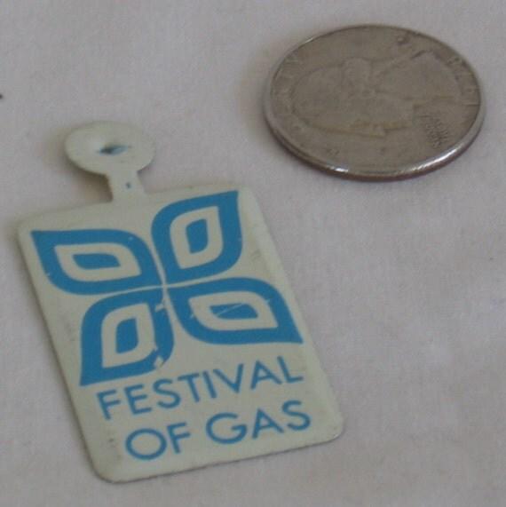 Vintage NY World's Fair 1964-1965 Festival of Gas Tin Souviner Pin  Bathroom Art