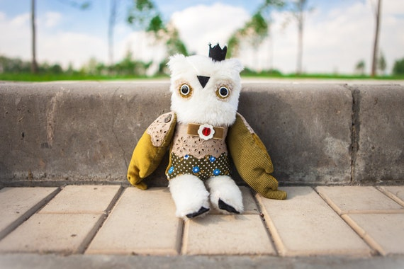 Olivier   - prince  owl , soft art toy by Wassupbrothers. Free shipping