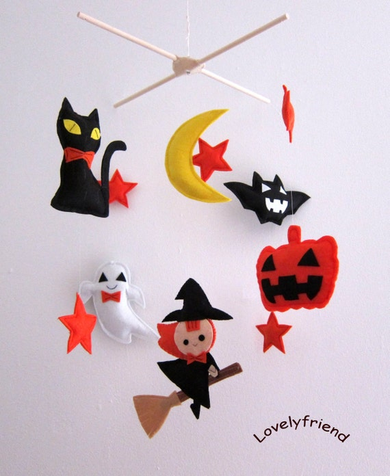 Halloween Baby Mobile - holiday baby mobile - Halloween baby crib mobile - pumpkin crib mobile - witch baby mobile - bat baby nursery mobile