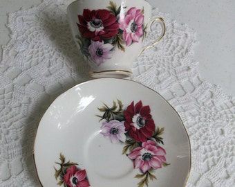 Gold Pink Crown Royal Tea Cup & Saucer  //