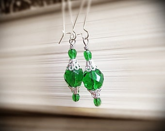 Emerald Green Earrings, in Faceted Czech Glass and Bright Silver Filigree