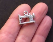 5 Sewing Machines Charms Antique  Silver Tone Beautiful 3D - SC890