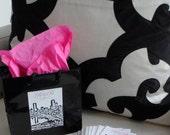 Wedding Sticker Labels -- Set of 100 Wedding Stickers with City Skyline