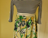 Print and Stripe Knit Top Zipper Trim Misses Size Small or XSmall