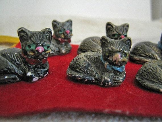 Vintage Tiny Cat Figurines Scarce