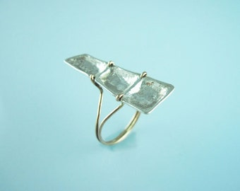 Reppose ring - hand made: very limited edition - pure silver (999) and 9k solid gold