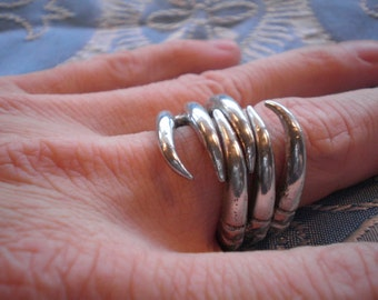 Finger-Hugger: Talons Ring