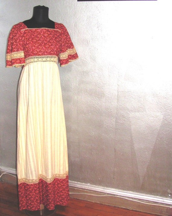 SALE: Perfect Peasant Dress / Old Country Roses