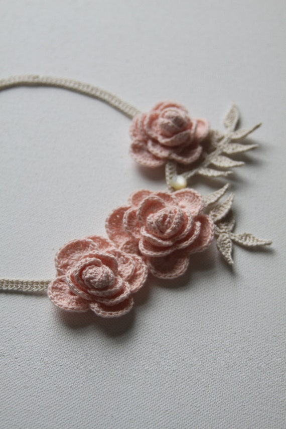 Crocheted Roses Necklace in Peach and Cream