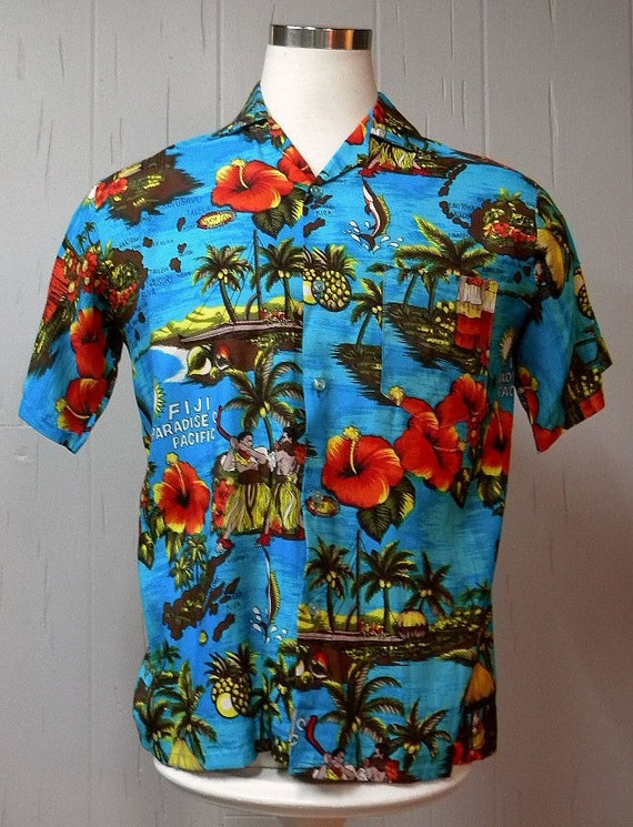 Mens 70s Vintage Rayon Hawaiian Shirt Size Large