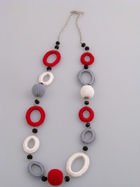 25 % OFF SALE - Crocheted Jewelry Set - Bracelet and Necklace
