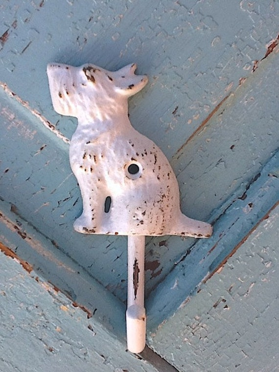 Modern Dog / Scottie Dog Wall Hook / Cast Iron / Shabby White / Wall Hanger / Metal Wall Decor / Patio / Shabby Home Decor /Winter