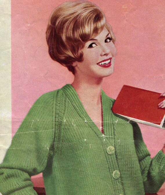 Womens 1960s Vintage V-Neck Raglan Chunky Cardigan by KnitsPasse