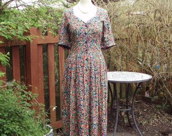 Pretty 1970s floral day dress UK 14 US 10 12