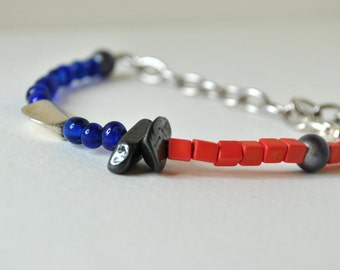 Mixed media bracelet, stacking bracelet, repurposed bead bracelet, handmade bracelet, labradorite, blue glass, coral by nicobel