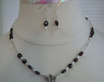 Necklace and Earring set - Garnet and Fresh Water Pearl