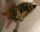 INDIAN SUMMER Statement Bib Necklace Neckpiece in Green Gold Caramel