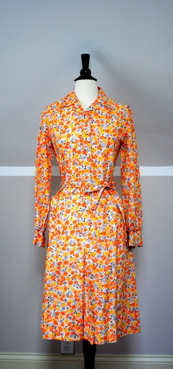 Vintage Oh-so-70s Orange Floral Dress, Small Flower Print, Size Large; Retro Floral Shirt Dress - Free Domestic Shipping!