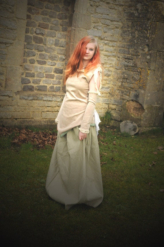 SALE Steampunk dress, Renaissance costume, Size Medium M, Victorian Steam punk outfit, skirt & bodice top with vintage lace and bustle