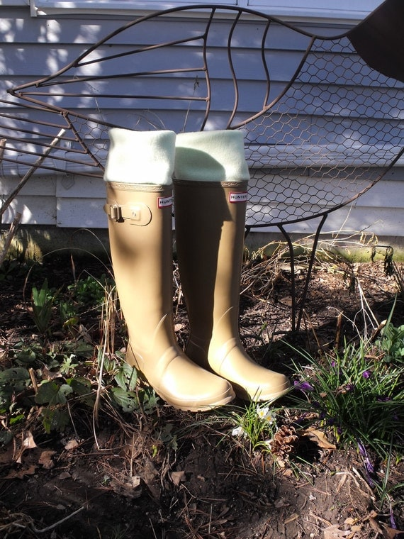 BB'58 Green Fleece Rain BOOT LINERS, Perfect for gift giving, Gardening, Rainy days, Nature walks