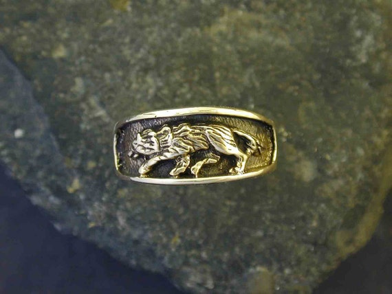 14K Gold Wolf Ring