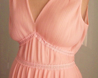 """Vintage 1950s Nightie, Night Gown - Peach Pink - Full Length, Long - Goddess Style - Sunray Pleats - Size M Bust 37"""" - NOS"""